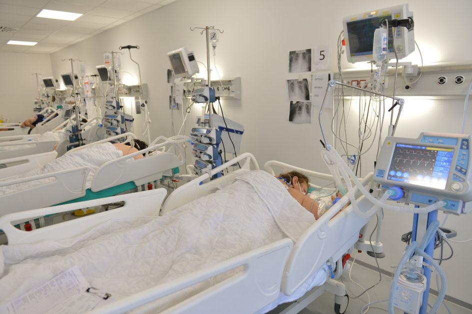 AKTUELNO: Borbu sa kovidom izgubilo 35 pacijenata, koronavirusom zaražena još 2.971 osoba