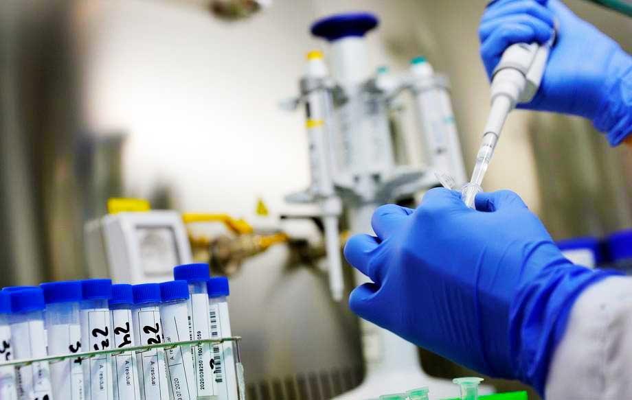 AKTUELNO: Novih 299 kovid slučajeva, preminulo sedam pacijenata
