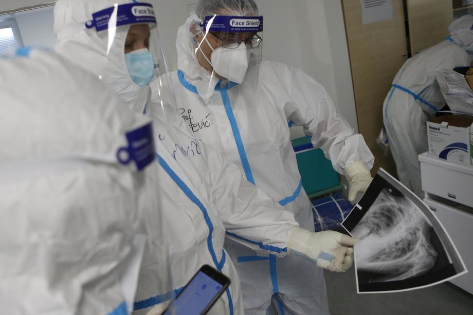 AKTUELNO: U Srbiji 1.056 novih slučajeva korona virusa, preminulo 20 osoba