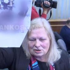 ALBANCI U BESU JURE FLJORU: Prevarila ih slikama sa p*rno sajta! PALA PRIČA O SRPSKOM GENOCIDU NA KOSOVU (VIDEO)