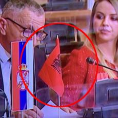 ALBANSKA ZASTAVA USRED SKUPŠTINE SRBIJE! Šaip Kamberi izazvao skandal (FOTO/VIDEO)