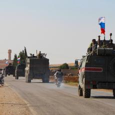 AMERI POKUŠALI DA BLOKIRAJU RUSE: BAĆUŠKE IH REŠILE ZA 15 MINUTA! Sukob u Siriji! (VIDEO)