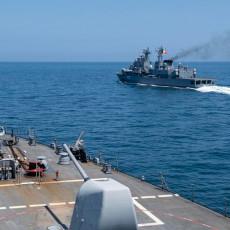 AMERIČKI RAKETNI RAZARAČ NAPUŠTA CRNO MORE: Rusi vrše strogi nadzor, pomno prate situaciju (FOTO)