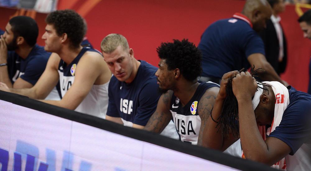 AMERIKA DOTAKLA ISTORIJSKO DNO NA SVETSKOM PRVENSTVU Američki mediji ŽESTOKO opleli po svojim košarkašima: Kralj je mrtav!