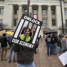 AMERIKA NA KOLENIMA: Otkazi pljušte širom zemlje, državnu pomoć zatražilo još 778.000 nezaposlenih