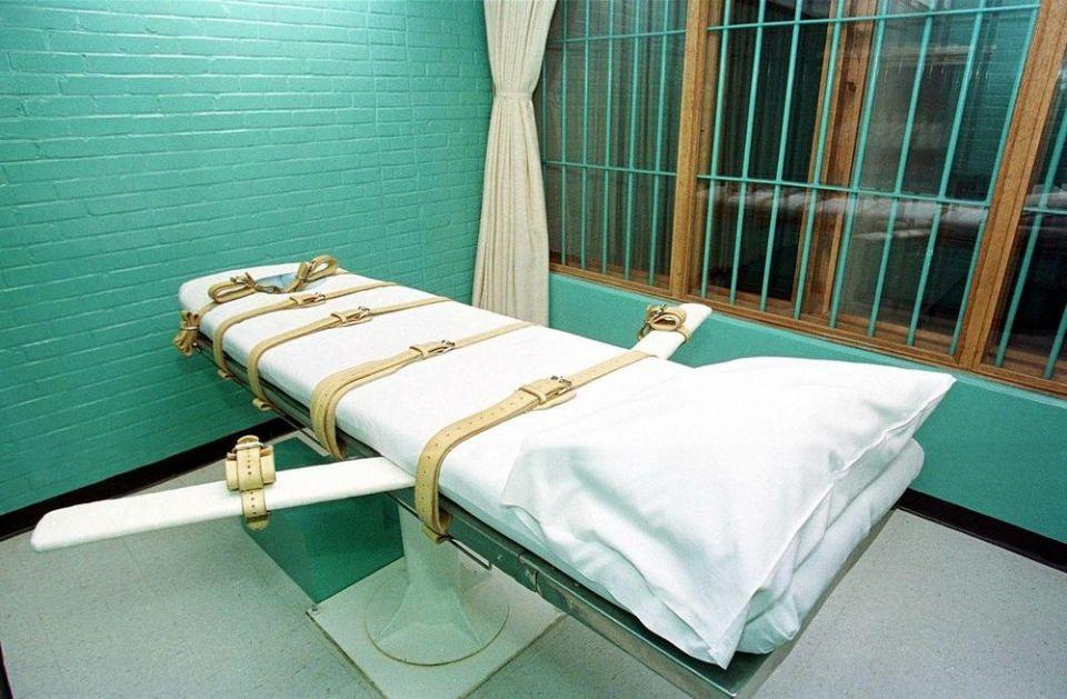 AMERIKA PONOVO KORISTI SMRTNU KAZNU: Zakazali pogubljenje 5 zatvorenika! Dugujemo to žrtvama i njihovim porodicama!