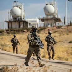 AMERIKANCI PREBACILI VOJSKU U SIRIJU: Zauzeli naftna polja, okupacija se nastavlja (VIDEO)