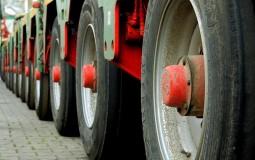 AMSS: Kamioni na prelazu Batrovci čekaju oko tri časa na izlazu iz Srbije