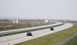 AMSS: Oprezna vožnja zbog mokrih kolovoza