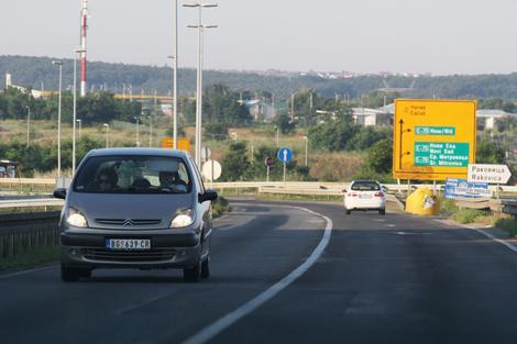 AMSS: Pojačan saobraćaj na glavnim putnim pravcima