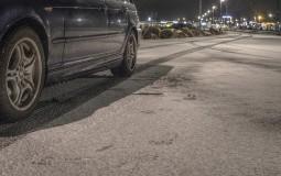 AMSS: Putevi u Srbiji mokri i klizavi, kamioni čekaju na granici ka Hrvatskoj i Mađarskoj