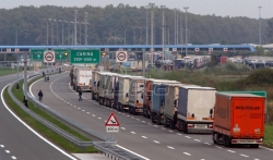AMSS: Umeren saobraćaj, kamioni na Batrovcima čekaju oko tri sata