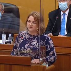 ANJA SE SUTRA BORI ZA MESTO GRADONAČELNIKA KNINA: Srpkinja iz Oluje koja je Hrvatima održala lekciju u Saboru (VIDEO)