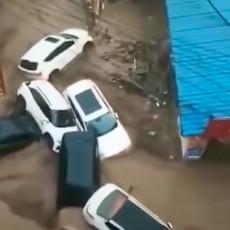 APOKALIPSA U KINI - Čeka se tajfun! Zatvorene škole, firme, aerodormi (VIDEO)