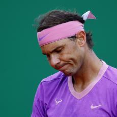 ATP BARSELONA: Nadalova BICIKLA, pa valjanje u PRAŠINI i na kraju pobeda (VIDEO)