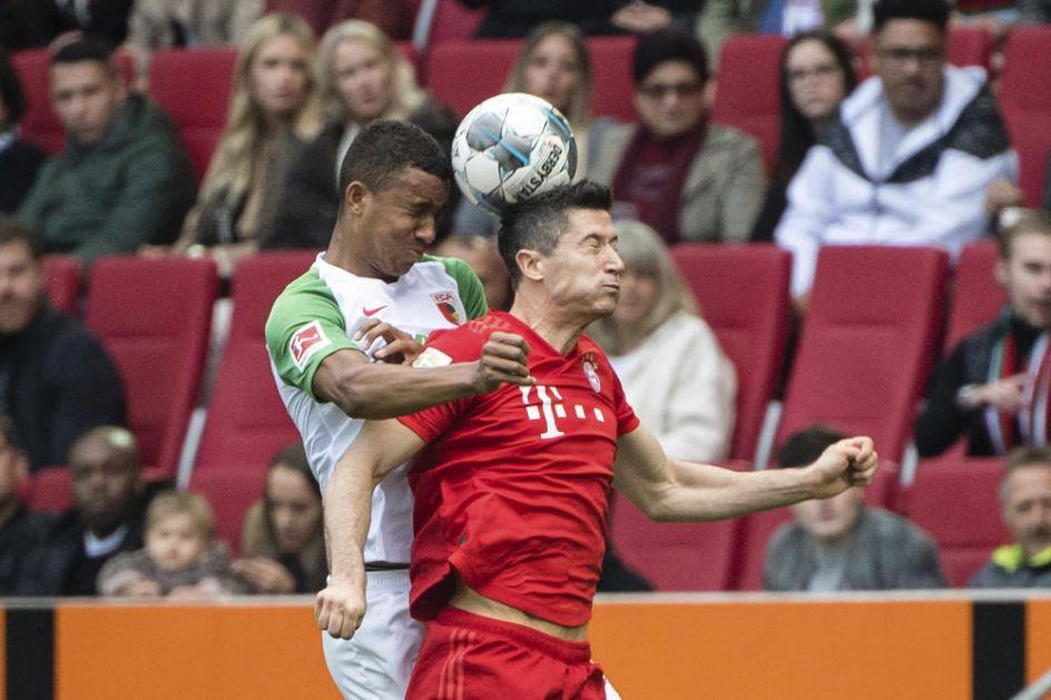 AUGSBURG ŠOKIRAO BAJERN: Šampion ostao bez pobede u 92. minutu