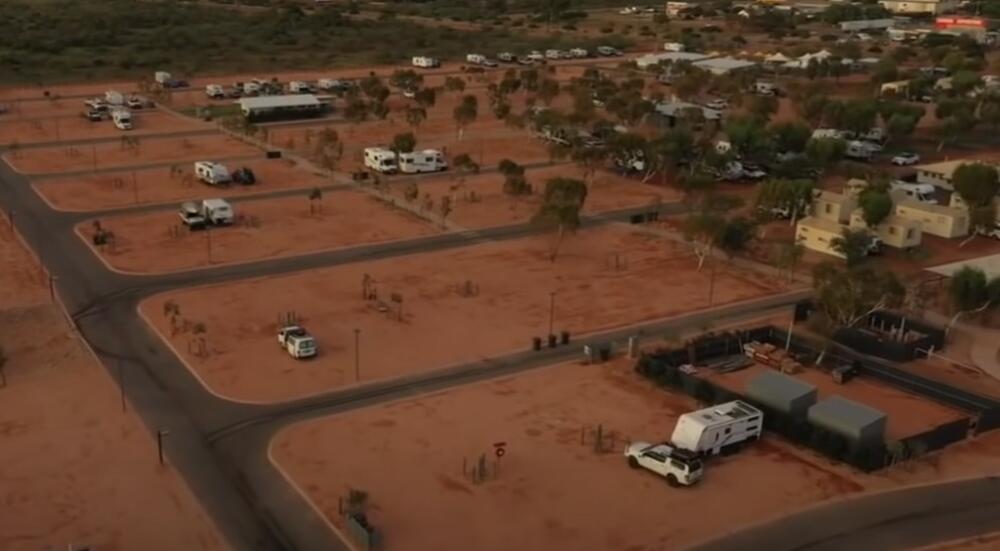 AUSTRALIJA NA UDARU SNAŽNOG CIKLONA: Pripremaju se skloništa i dele džakovi sa peskom VIDEO