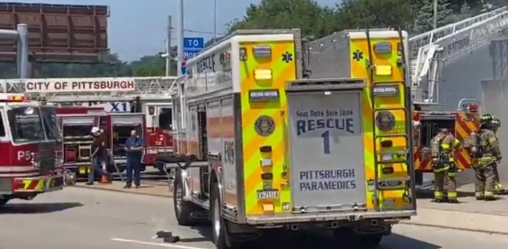AUTOM U CENTAR ZA DONIRANJE KRVNE PLAZME: Troje mrtvih i dvoje povređenih posle teške nesreće u Pitsburgu