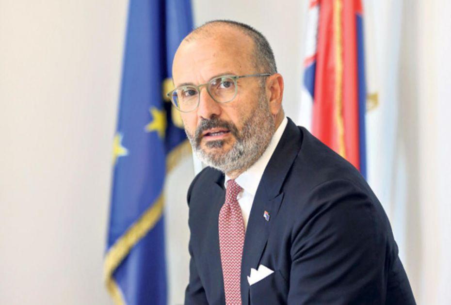 AUTORSKI TEKST ZA KURIR AMBASADORA EU U SRBIJI SEMA FABRICIJA: EU je solidarna sa Srbijom uvek kad je to potrebno