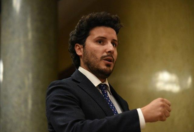 Abazović: Potpuna neistina; Neće biti oduzimanja državljanstva