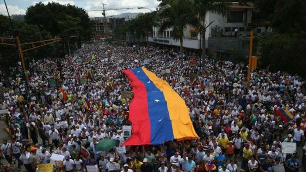 Admiral SAD zadužen za Venecuelu: Sa Rusijom je sve moguće