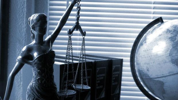 Advokati besplatno brane za najviše 130.000 dinara