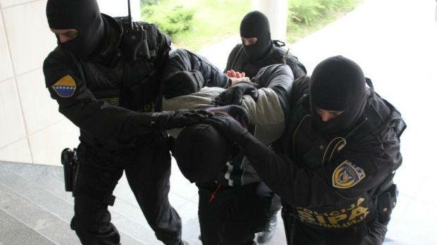 Akcija Pero u BiH – uhapšene 22 osobe povezane sa izdavanjem lažnih diploma