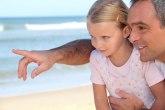 Ako progutaš žvaku, zalepiće ti se organi: Sve slatke laži naših roditelja na jednom mestu