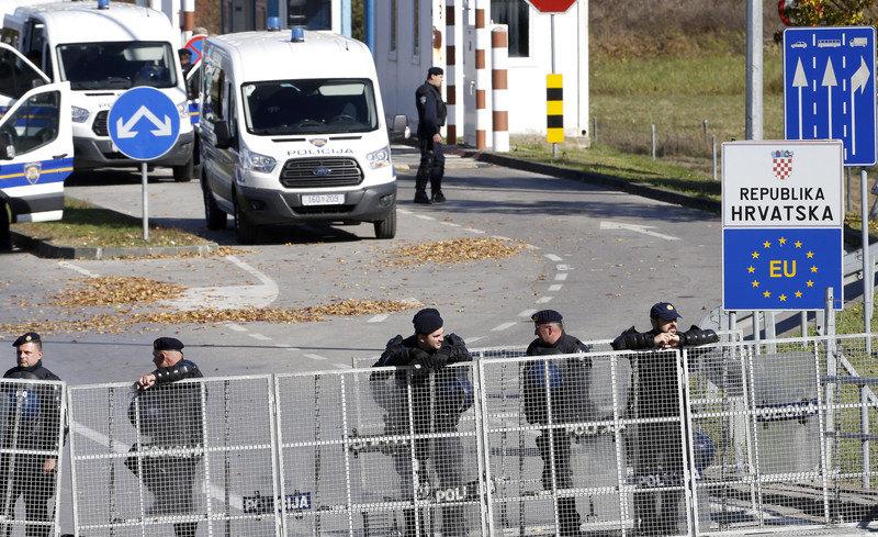 Aktivisti za ljudska prava blokirali granicu Hrvatske sa BiH