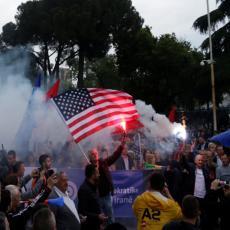 Albanci se otrgli zapadnoj kontroli: Siloviti protesti protiv Rame NE JENJAVAJU! (FOTO)