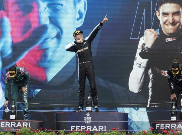 Alonso odolevao Hamiltonu; Okon: To je timski rad