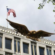 Američka ambasada traži ČUVARA, nećete verovati KOLIKA ĆE MU BITI PLATA