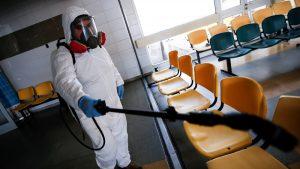 Američki stručnjak tvrdi da virus neće nestati još dugo