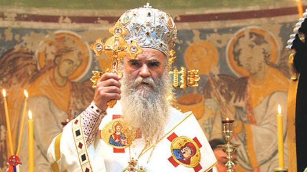 Amfilohije: Ako hoće da budu naslednici kralja Nikole neka dođu da se krste sa narodom