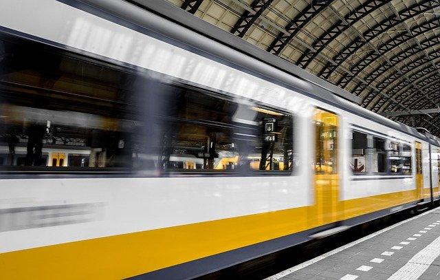 Amsterdam zabranjuje oglašavanje automobila na stanicama metroa