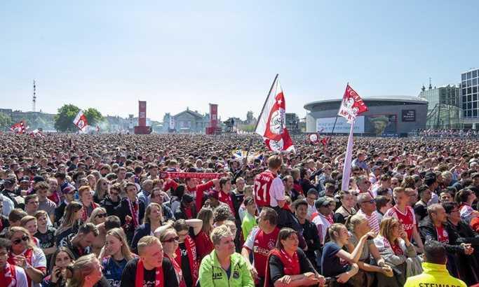 Amsterdamska zvona zvone: Tadićev dens na šampionskoj žurci pred 30.000 navijača (VIDEO)