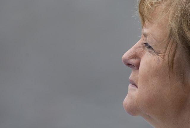 Istorijski: Angela prošla kroz kapiju sa natpisom Rad oslobađa VIDEO