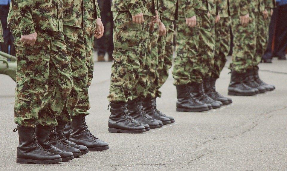 Anketa: Dve trećine građana za vraćanje vojnog roka