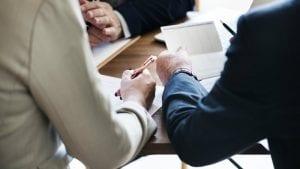 Anketa: Mlađi zaposleni u SAD negativno gledaju na starije kolege