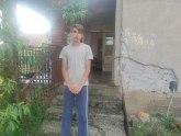 Apel za pomoć Ivanu Stevanoviću; Ostao je bez majke, a živi u nehumanim uslovima