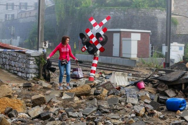 Apokalipsa u Belgiji; Voda nosila automobile i pločnike FOTO/VIDEO