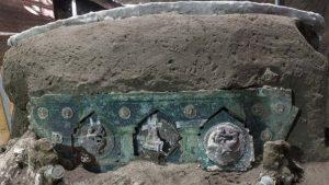 Arheolozi pronašli ceremonijalne kočije u blizini Pompeje