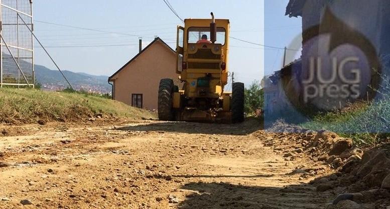 Asfaltiranje puteva u pet sela
