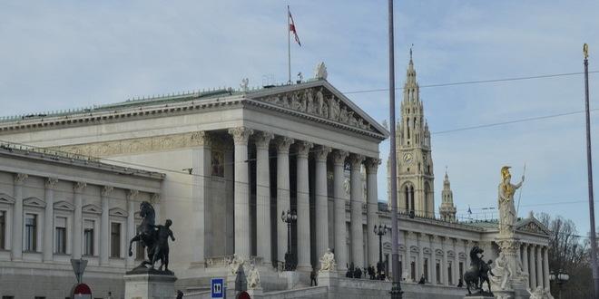 Austrija:Sud odlučio-nema dvojnog državljanstva