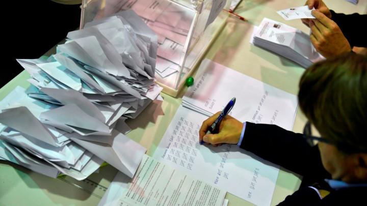 Austrijanci danas glsaju na prevremenim parlamentarnim izborima,ankete nagoveštavaju pobedu Sebastijana Kurca