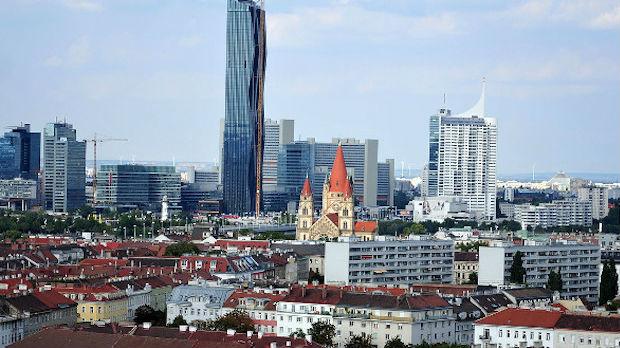 Austrijanci izlaze na prevremene parlamentarne izbore