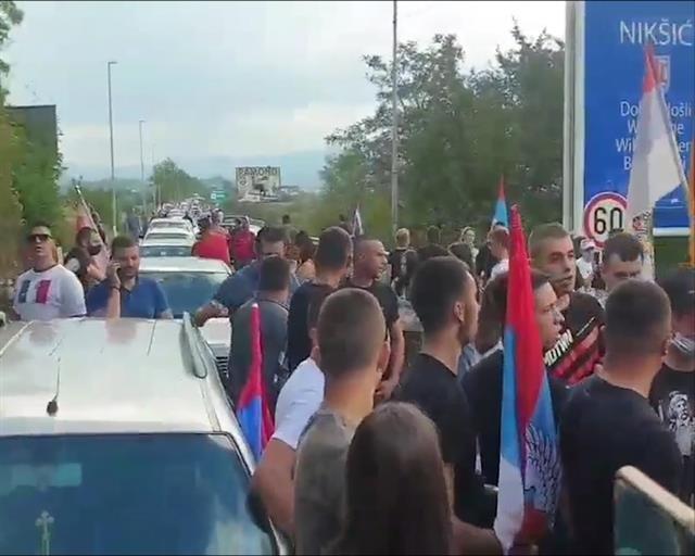 Auto-kolone u nekoliko gradova u Crnoj Gori