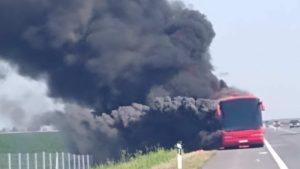 Autobus iz Novog Pazara se zapalio kod Kačanika, nema povređenih
