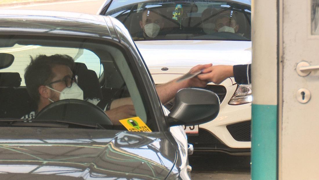 Automobili na Horgošu čekaju pola sata na izlazak