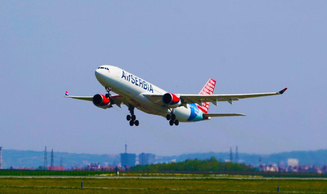 Avion Er Srbija iz Pariza vraća građane Srbije